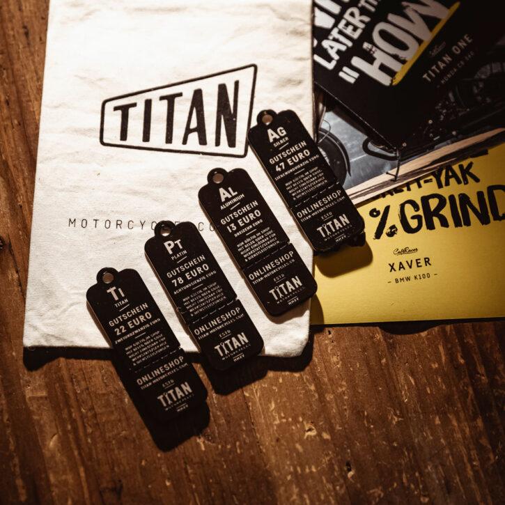 Caferacer-Webshop-Gutschein-TITAN-Shop-online-T-Shirts-Produkte-Motorrad-Geschenke-Coole-Voucher-Gadget-Dog-Tag-Set