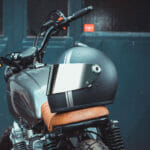 biltwell-gringo-s-matt-schwarz-ece-dot-titan-cafe-racer-edition-flat-visier-mirror-chrom-TITAN-Edition-Custom-Helmet-Design-CLOSED-ttn