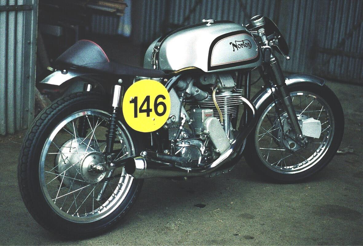 NortonManxBj.1954_Custom-Bike-Cafe-Racer-Wiki