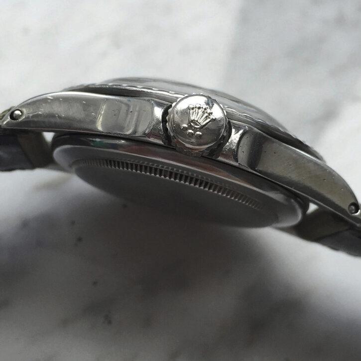 great-vintage-rolex-ref-5513-submariner-automatic-plexiglass-1968-matte-non-serif-feet-first-dial-caferacer-webshop-vintage-bikes